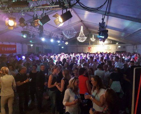 Koningsnacht 2018 Coverband The Hits - Grote feesttent Broek op Langedijk - Koningsdag