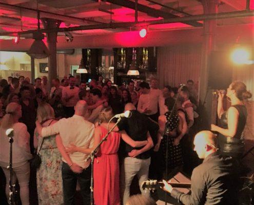 Mooi akoestisch verzoeknummer! Bruiloftband The Hits - Noord-Holland