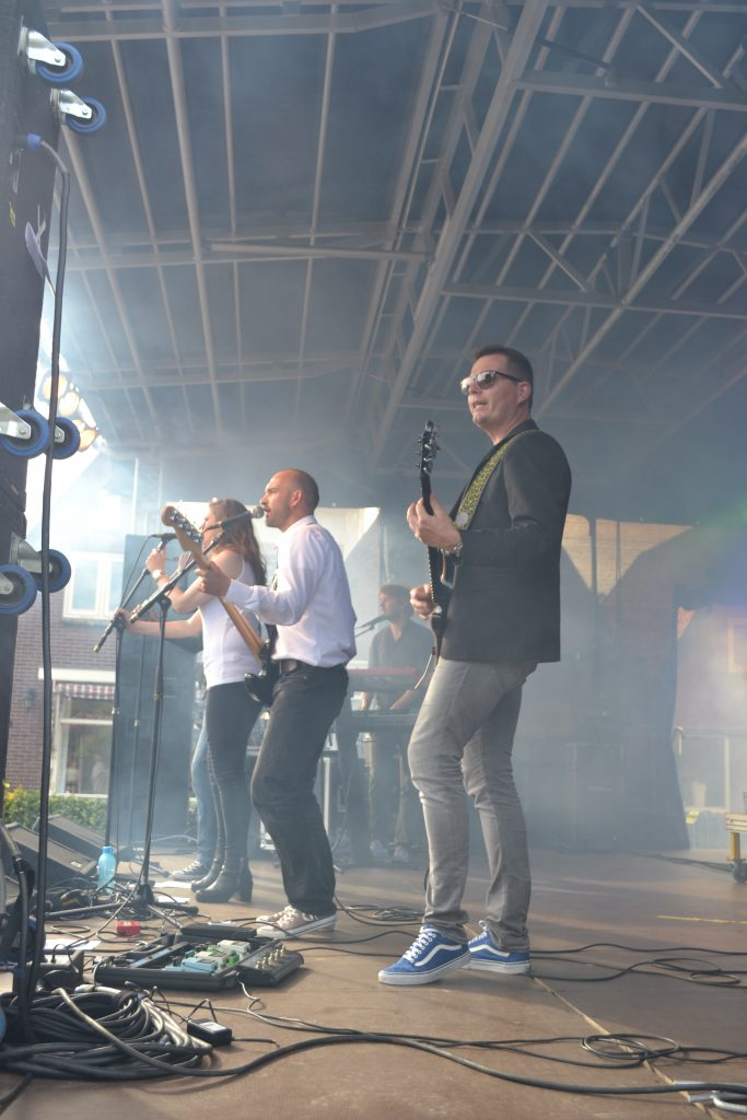 Coverband The Hits - zomerfeest & dorpsfeest in Dirkshorn Noord-Holland